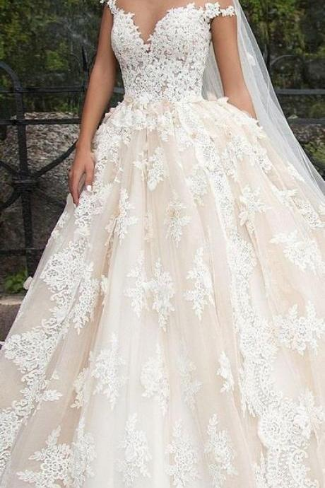 2019 the most worthwhile elegant and romantic wedding, sleeveless sexy strapless dress, full of embroidery,V-neck neckline embroidered gown,