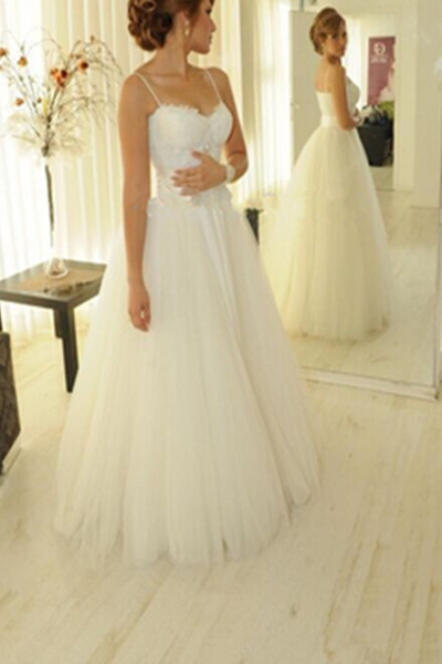 Lace Appliques Sweetheart Spaghetti Straps Floor Length Tulle Wedding Gown